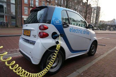 Awesome Electric Cars From Auto Expo